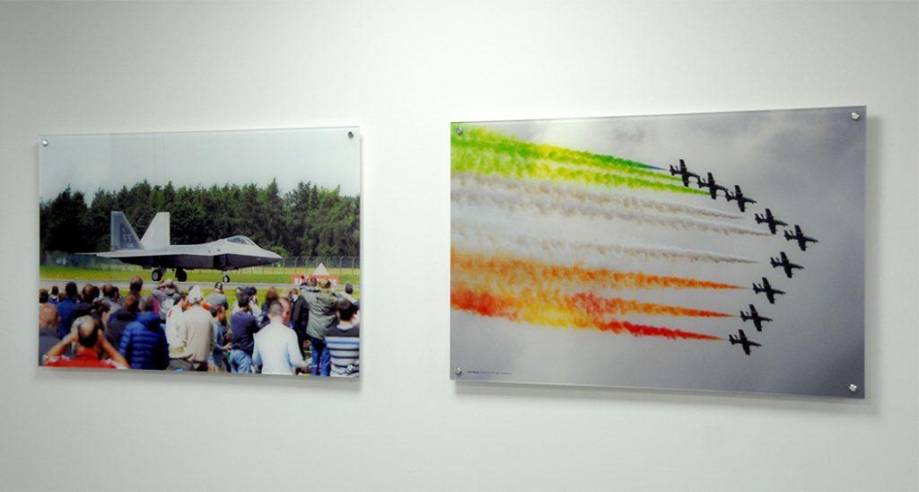 2 Fotos hinter Acrylglas